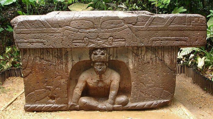 Mesón de rituales de la mitología olmeca