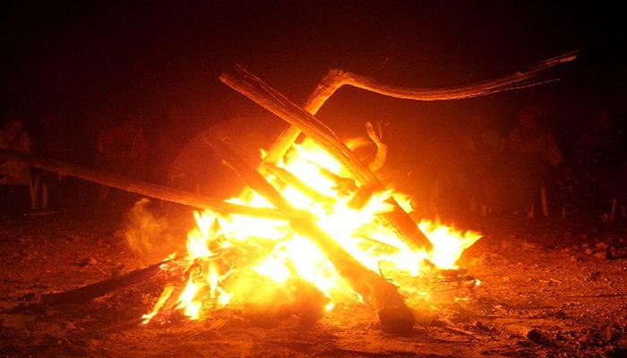 Junuunay roba el fuego
